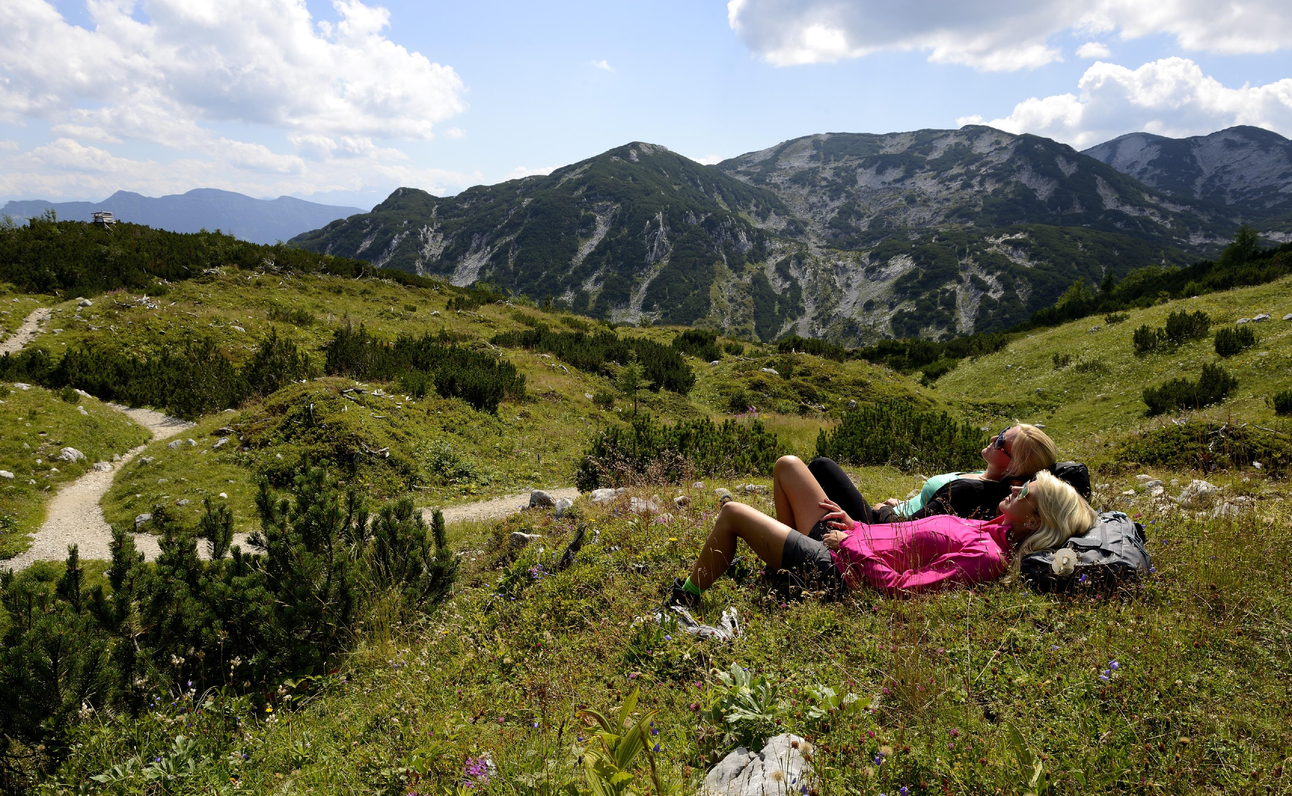 Almwiesen beim Wandern genie ƒen -®MTV Ferienregion Traunsee