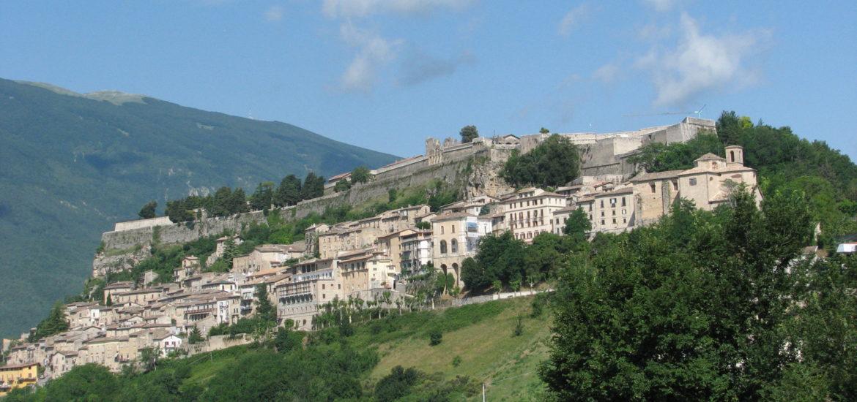 Twierdza nad Civitella del Tronto, uchodząca za bastion nie do pokonania i imponujące dzieło inżynierii wojskowej. Fot. TravelCompass (c)