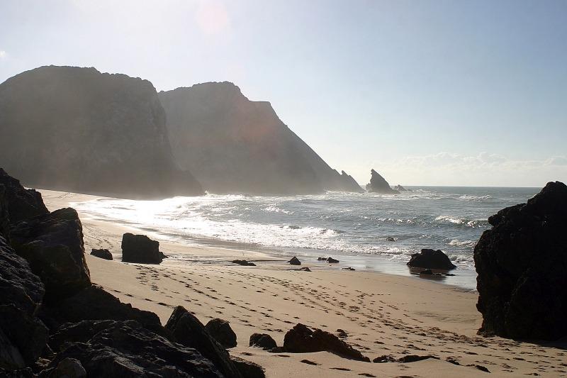 Turismo de Portugal_Praia da Adraga- Sintra - fot Junta de Turismo da Costa do Estoril-sm-web