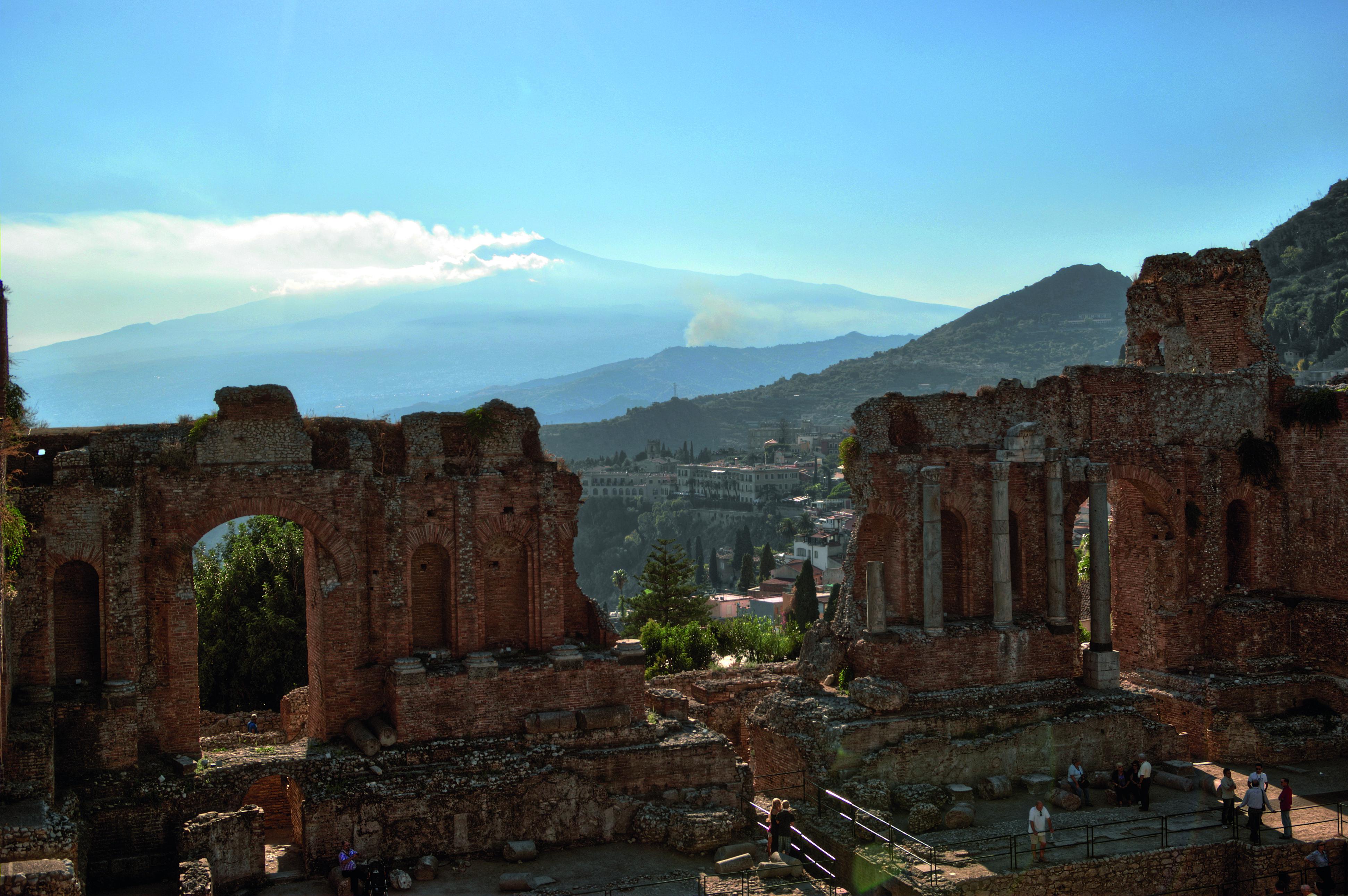 {{de Italien, Sizilien, Taormina, Antikes Theater}} {{en Italy, Sicily, Taormina, ancient theatre}}