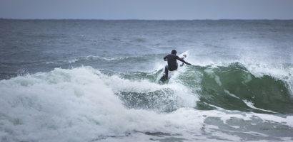 """""""Lost at Sea – The Baltic"""" – pierwszy polski dokument o surfingu na Bałtyku"""