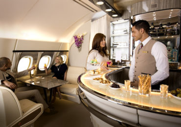 Emirates zaprezentują ulepszony salon pokładowy A380 na ITB w Berlinie